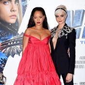 Cara Delevingne a les yeux perdus dans le décolleté de Rihanna et c'est hilarant