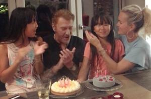 Johnny Hallyday : En grande forme pour fêter l'anniversaire de Joy en famille