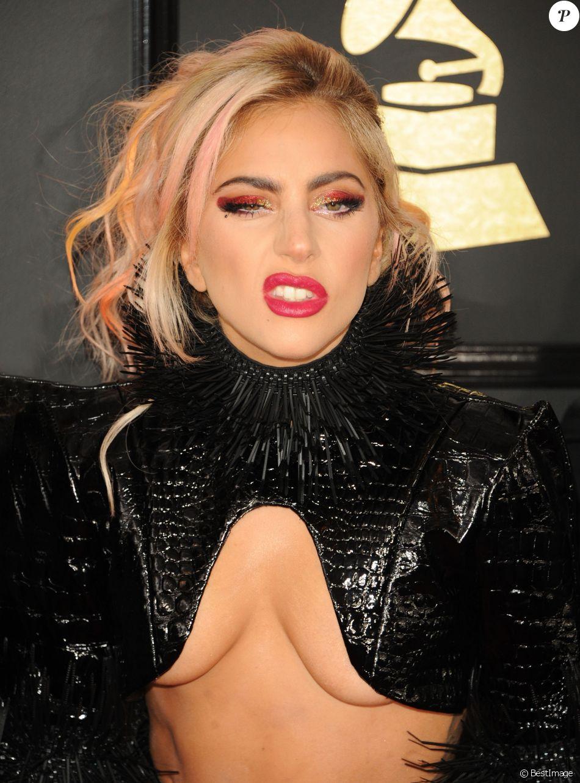 Lady Gaga à la 59ème soirée annuelle des Grammy Awards au théâtre Microsoft à Los Angeles, le 12 février 2017