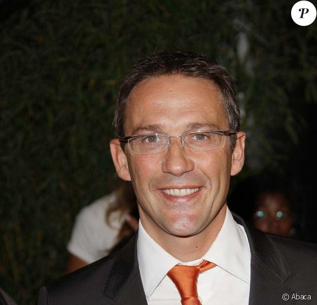 L'émission Service Maximum de Julien Courbet s'est arrêtée le 6 février 2009.