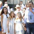 Le roi Felipe VI et la reine Letizia d'Espagne, en balade avec leurs filles Leonor et Sofia, ont visité à Soller le musée d'art moderne Can Prunera, le 6 août 2017 à Majorque.