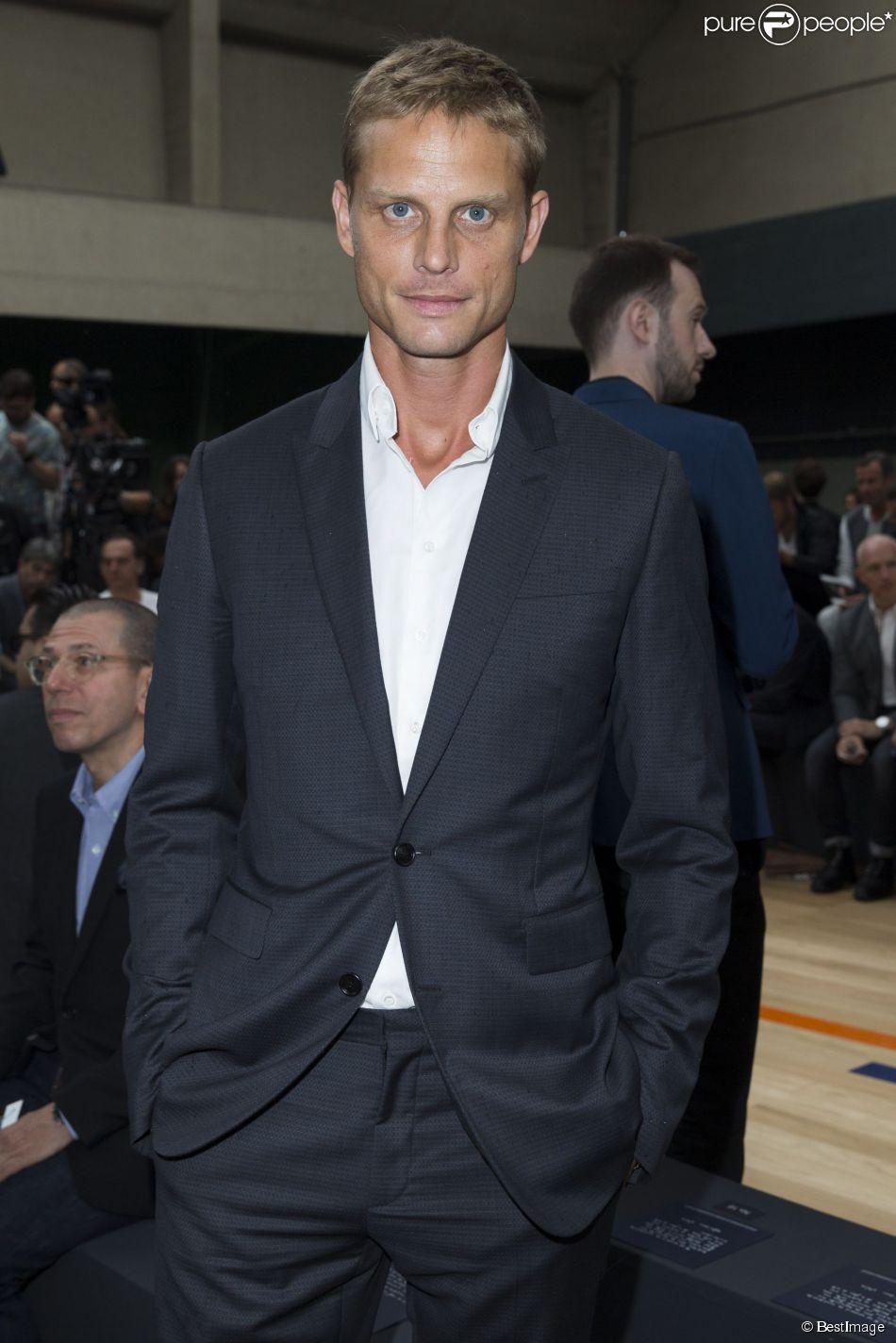 Arnaud Lemaire au défilé Hommes Christian Dior printemps-été 2015 au Tennis  Club de Paris, le 28 juin 2014. 80afa16eef7