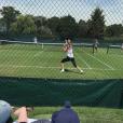 Victoria Azarenka s'entraînant pour Wimbledon et son fils Leo, né en décembre 2016, trouvant à s'occuper. Photo Instagram du 26 juin 2017.