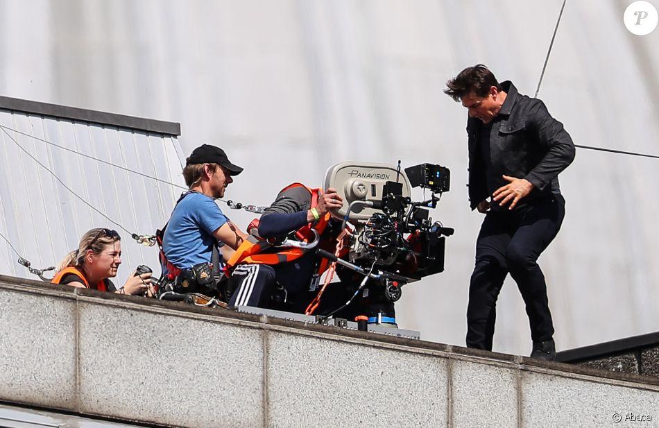 Tom Cruise boîte après une cascade sur le tournage de Mission Impossible 6 à Londres le 13 août 2017.
