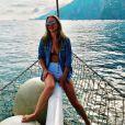 A. J. Cook et son mari en vacances à Positano en Italie, été 2017.