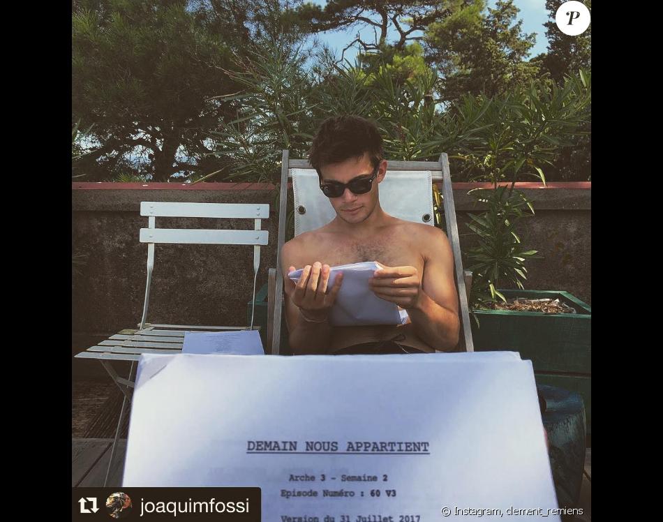 Clément Rémiens, alias Maxime Delcourt dans la série Demain nous appartient sur TF1.