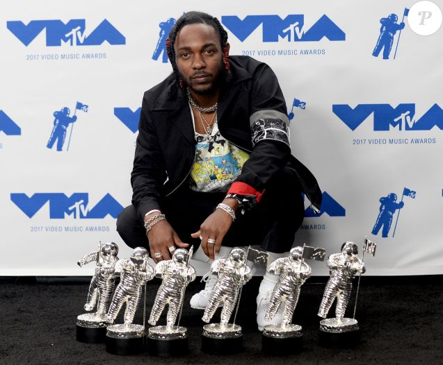 Kendrick Lamar et ses 'Moonmen' - MTV Video Music Awards 2017 au Forum à Inglewood, le 27 août 2017.