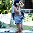 Exclusif - Vanessa Hudgens se balade dans les rues de West Hollywood. Vanessa porte des sandales en fourrure le 29 août 2017.