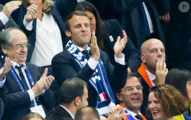 Le président de la FFF Noël le Graët, le président de la République française Emmanuel Macron et le Premier ministre des Pays-Bas Mark Rutte - Célébrités lors du match pour les éliminatoires de la Coupe du Monde 2018, France - Pays-Bas au Stade de France à Saint-Denis, le 31 août 2017. La France a gagné 4-0. © Agence/Bestimage