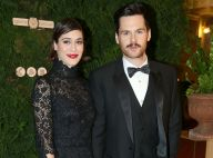 "Lizzy Caplan mariée : La star de Masters of Sex a dit ""oui"" à Tom Riley"
