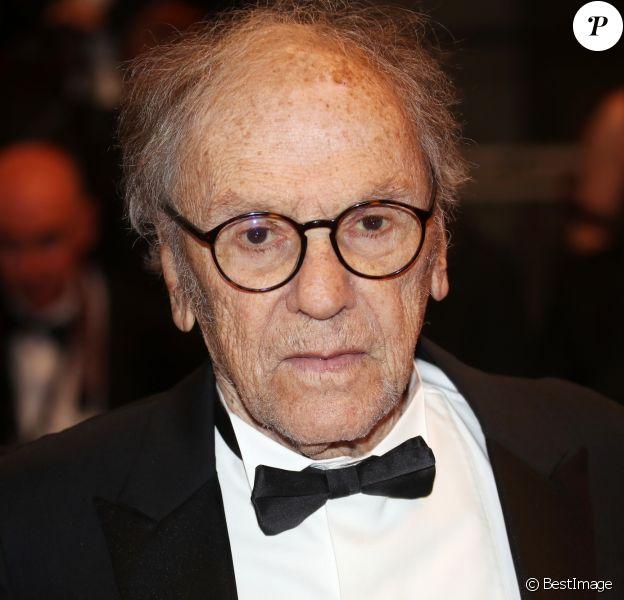 """Jean-Louis Trintignant - Montée des marches du film """"Happy End"""" lors du 70e Festival International du Film de Cannes. Le 22 mai 2017. © Borde-Jacovides-Moreau / Bestimage"""
