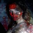 Clara Morgane, extrait du premier teaser vidéo de son calendrier 2018, baptisé Rouge, disponible à partir du 25 septembre 2017 dans tous les points de vente.