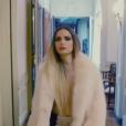 Clara Morgane, image extraite du premier teaser vidéo de son calendrier 2018, baptisé Rouge, disponible à partir du 25 septembre 2017 dans tous les points de vente.