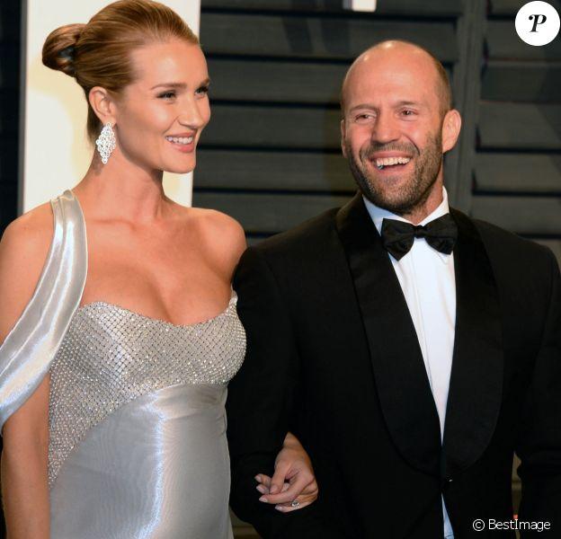 Rosie Huntington-Whiteley et son compagnon Jason Statham à la soirée Vanity Fair en marge de la cérémonie des Oscar 2017 à Los Angeles le 26 février 2017.