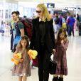 Nicole Kidman et ses filles Sunday Rose et Faith quittent Sydney pour Los Angeles le 31 mars 2016.