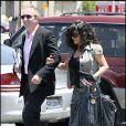 Le 30 mai 2008, le couple se balade tranquillement dans les rues de Los Angeles. Bien qu'ils vivent séparément, entre New York, Los Angeles et Paris, ils se retrouvent régulièrement, ici sous le signe de la détente.
