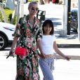 """""""Johnny Hallyday quitte une pizzeria au volant de sa nouvelle Lamborghini Aventador à Brentwood pendant que sa femme Laeticia fait du shopping avec sa fille Jade dans Santa Monica le 20 mai 2017."""""""