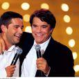 Bernard Tapie et son fils Stéphane sur scène en 1999 dans Vivement Dimanche.