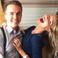 Frankie Muniz sur le compte Instagram de sa petite-amie Paige Price depuis le printemps 2017. L'acteur vient de confirmer leur romance.