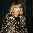 Taylor Swift porte un manteau imprimé léopard dans le quartier de Lower Manhattan à New York, le 7 novembre 2016.