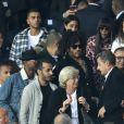 """Kourtney Kardashian et son compagnon Younes Bendjima, Lenny Kravitz, Naomi Campbell, Nicolas Sarkozy assistent au match de Champions League """"PSG - Bayern Munich (3-0)"""" au Parc des Princes à Paris, le 27 septembre 2017. © Cyril Moreau/Bestimage"""