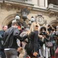 """Estelle Lefébure arrivant au défilé de mode printemps-été 2018 """"Balmain"""" à l'Opéra Garnier à Paris. Le 28 septembre 2017 © CVS-Veeren / Bestimage"""