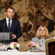 Le président de la République Emmanuel Macron et sa femme Brigitte Macron - 180 chefs étoilés reçus au palais de l'Elysée pour le Déjeuner des grands chefs à Paris, le 27 septembre 2017, pour promouvoir la cuisine française. © Hamilton/Pool/Bestimage