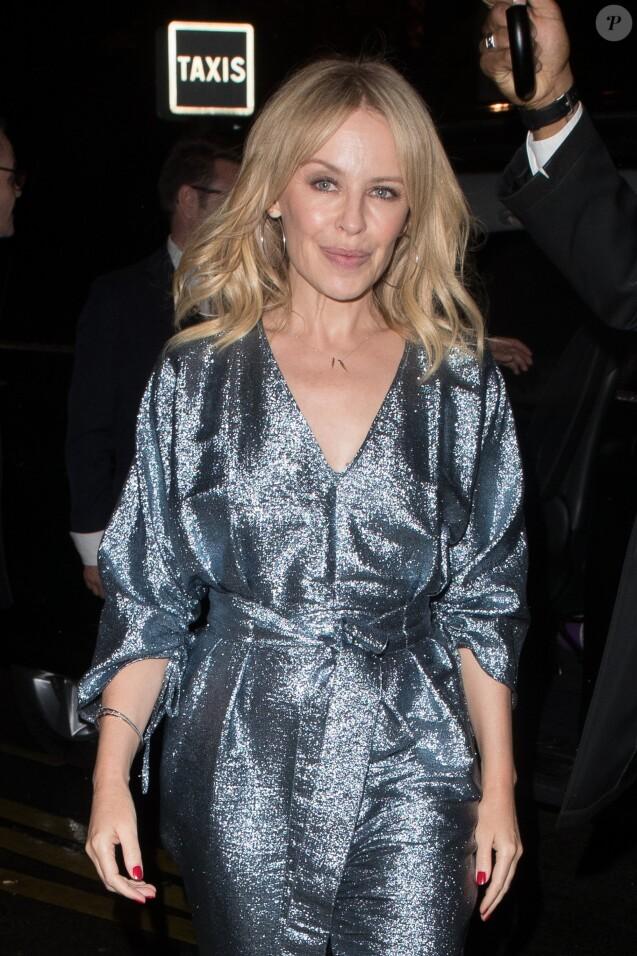 Semi-Exclusif - Kylie Minogue arrive à l'hôtel Royal Monceau, à Paris, le 2 octobre 2017.