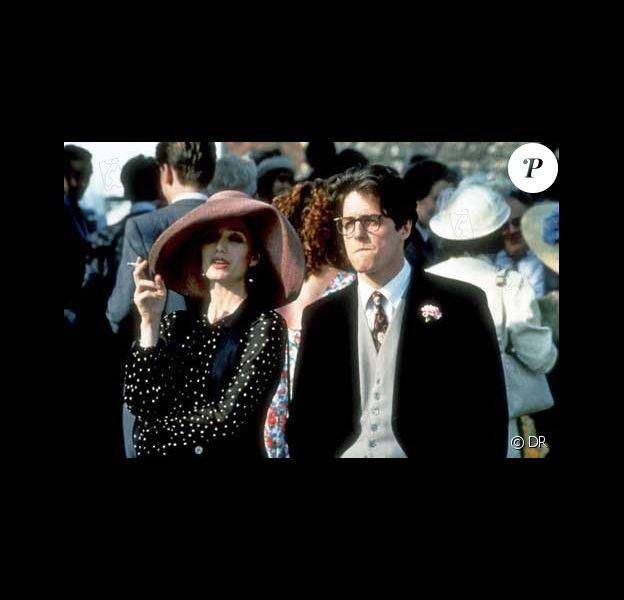 L'amoureux transi et romantique de 4 mariages et un enterrement, interprété par Hugh Grant est doublé par...