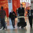 Exclusif - Mary-Kate Olsen et son fiancé Olivier Sarkozy à l'aéroport Roissy-Charles-de-Gaulle pour se rendre à New York après leur séjour à Paris, le 6 avril 2014.