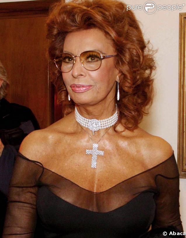 Sophia Loren - Beautiful HD Wallpapers