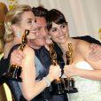 Sean Penn, Kate Winslet et Penélope Cruz à la remise des Oscars. 22/02/09