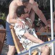 Semi-exclusif - Alicia Vikander et son compagnon Michael Fassbender lors d'une fête pré-mariage avec la famille et les amis à Ibiza, espagne, le 13 octobre 2017.