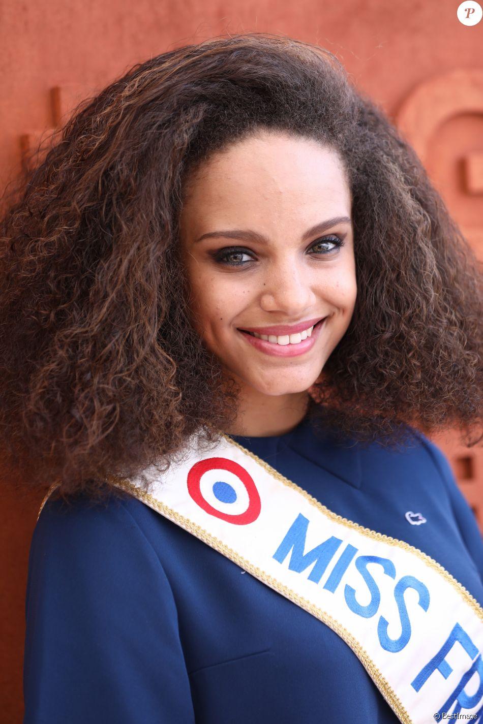 Alicia aylies miss france 2017 au village lors des internationaux de france de roland garros - Miss france 2017 interview ...