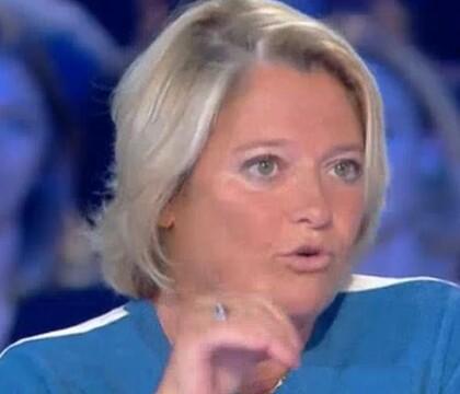 """Marina Carrère d'Encausse : """"Je ne m'aime pas"""""""