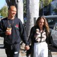 """""""Exclusif - Jeremy Meeks et sa compagne Chloe Green sont allés déjeuner au restaurant 'Le Pain Quotidien' à Hollywood, le 6 novembre 2017."""""""