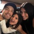 """""""Eric Winter, Roselyn Sanchez et leur fille Sebella sur une photo publiée sur Instagram le 30 mai 2017"""""""