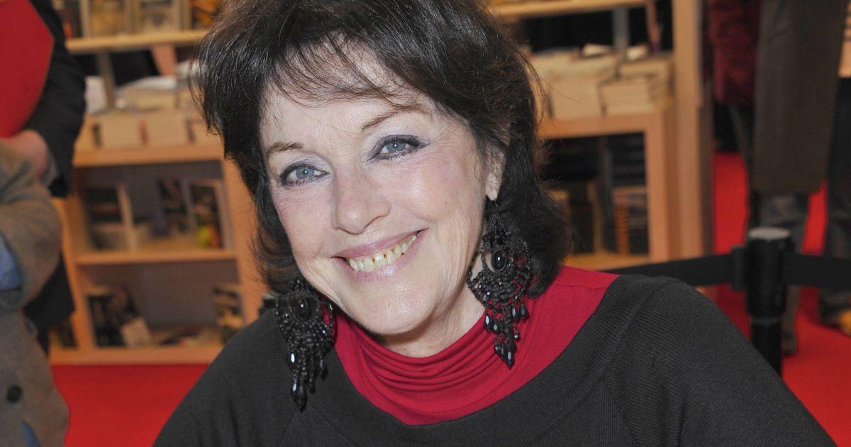 Anny duperey au 23 me salon du livre porte de versailles for Porte de versailles salon esthetique