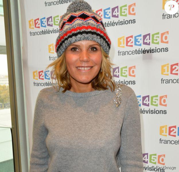 Laura Tenoudji lors de la conférence de presse du Téléthon 2017 dans les locaux de France 2 à Paris le 8 novembre 2017. © Coadic Guirec / Bestimage
