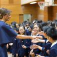 La première dame des Etats-Unis, Melania Trump et la femme du Premier ministre japonais, Akie Abe visitent une école de calligraphie à Tokyo, Japon, le 6 novembre 2017.