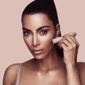 Kim Kardashian : Accusée de se foncer la peau, elle réagit