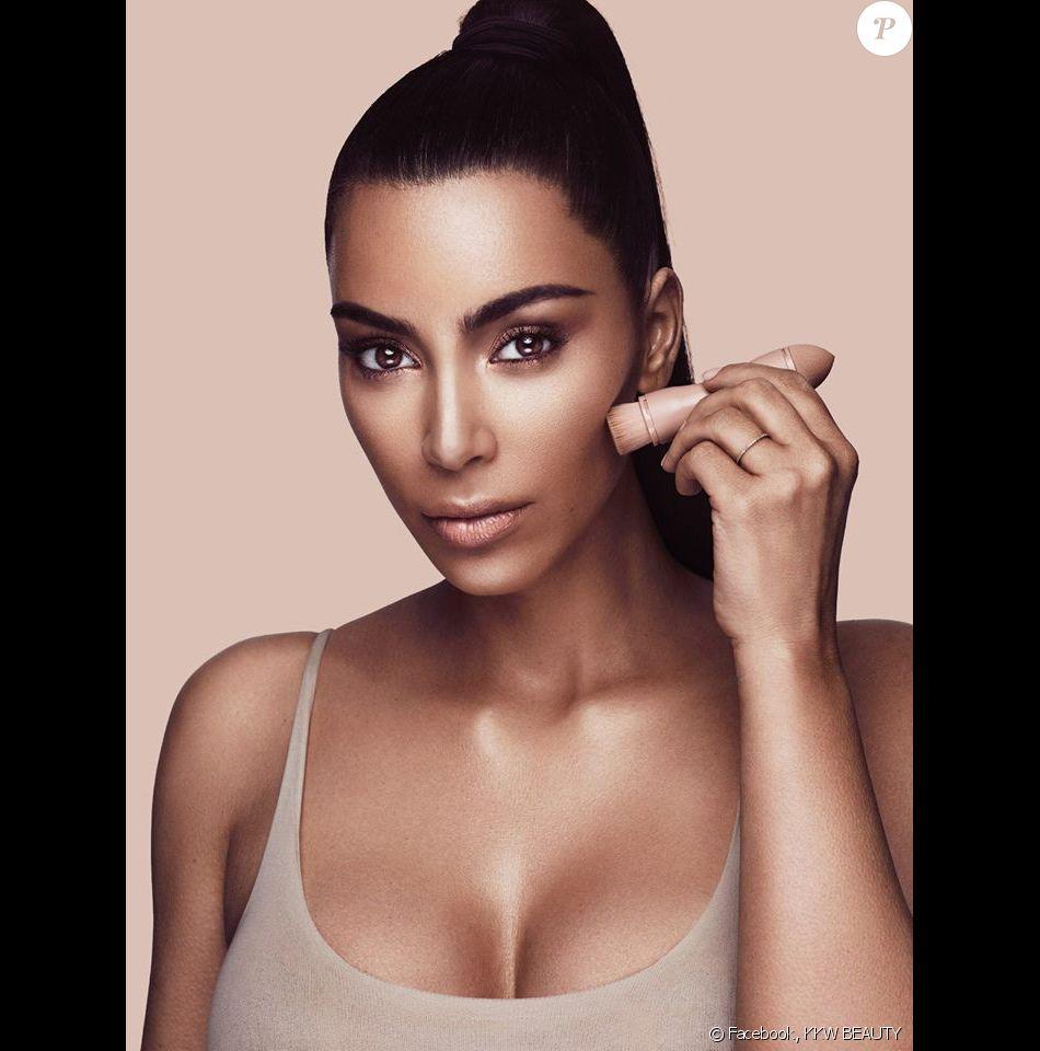 Kim Kardashian, visage de la marque de maquillage KKW BEAUTY. Juin 2017.