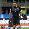 Gianluigi Buffon, très ému et en larmes, a mis un terme à sa carrière internationale en équipe d'Italie le 13 novembre 2017 à l'issue du match nul de l'Italie contre la Suède (0-0) à Milan en barrage retour pour le Mondial, qui prive la Nazionale de Coupe du Monde 2018.