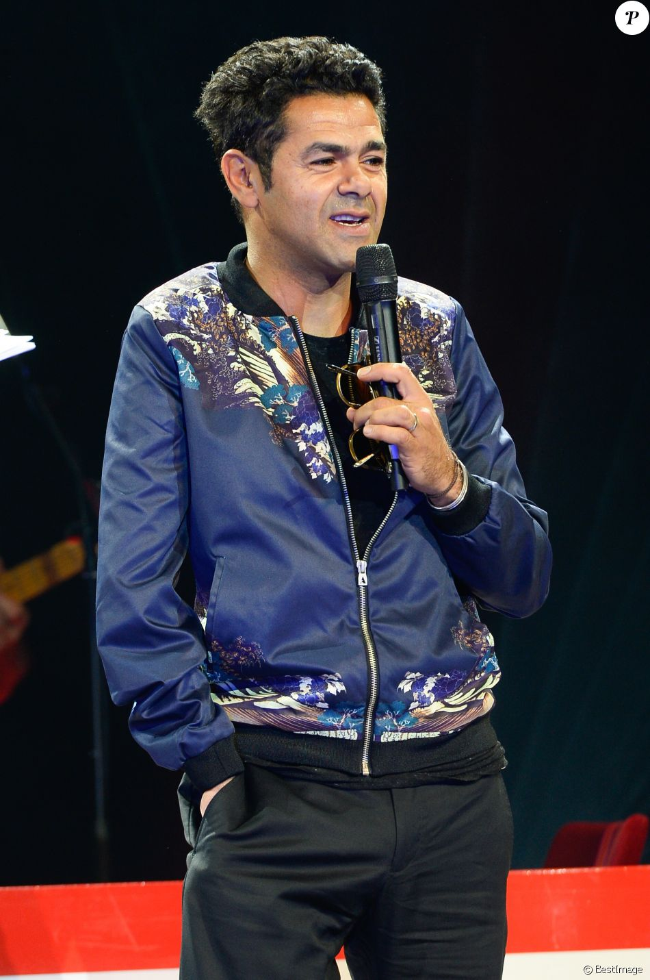 Exclusif - Jamel Debbouze, parrain de la manifestation, lors de la finale de l'Euro de l'impro culture et diversité au théâtre le Comédia à Paris le 10 juillet 2016. © Coadic Guirec/Bestimage