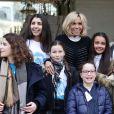 La première dame Brigitte Macron accueille les enfants de l'UNICEF pour la Journée internationale des droits de l'Enfant au palais de l'Elysée à Paris le 20 novembre 2017. © Stéphane Lemouton / Bestimage