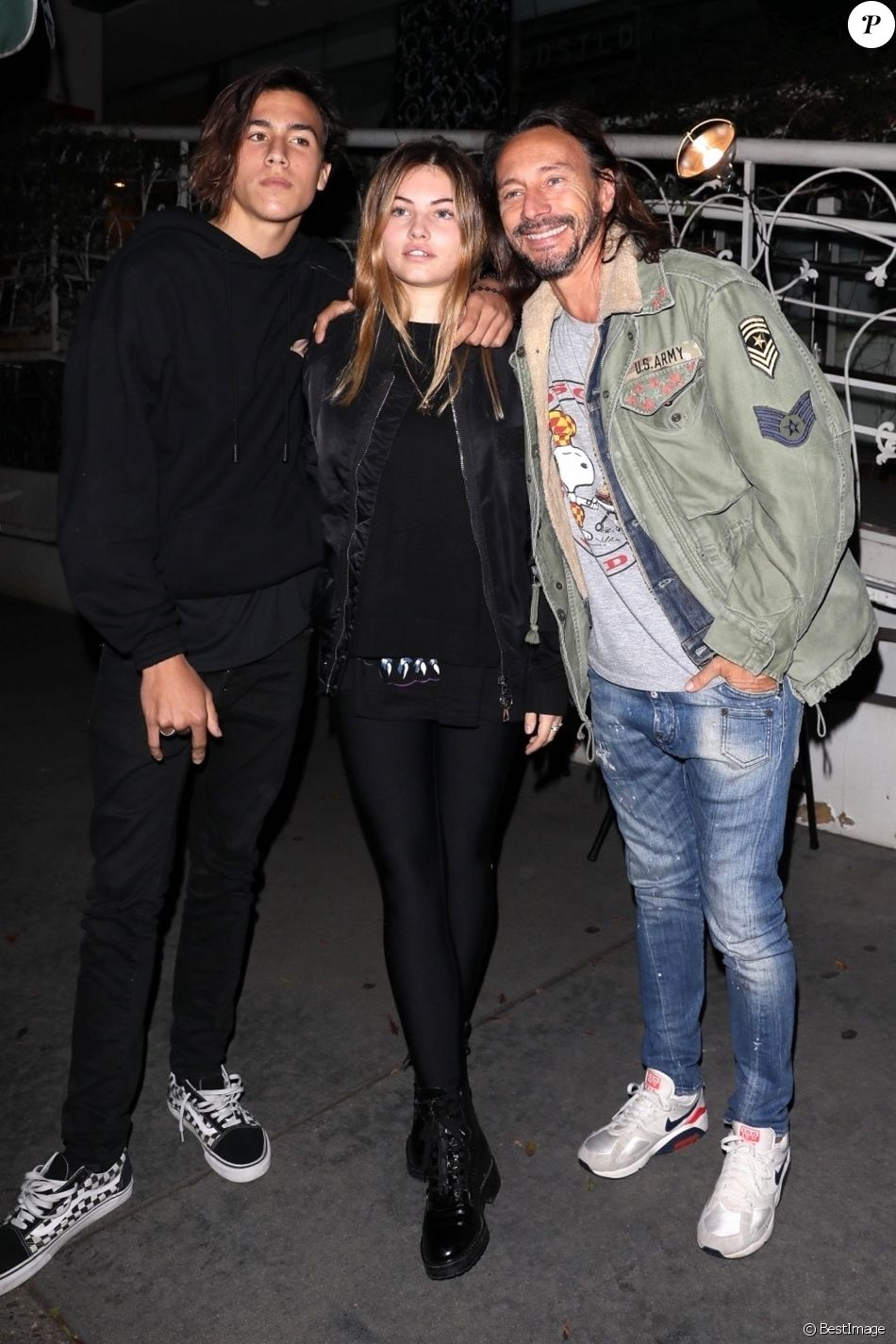 Bob Sinclar, sa femme Ingrid Sinclar et leur fils Raphaël Le Friant sont allés dîner avec Thylane Blondeau au restaurant Madeo à Hollywood, le 20 novembre 2017.