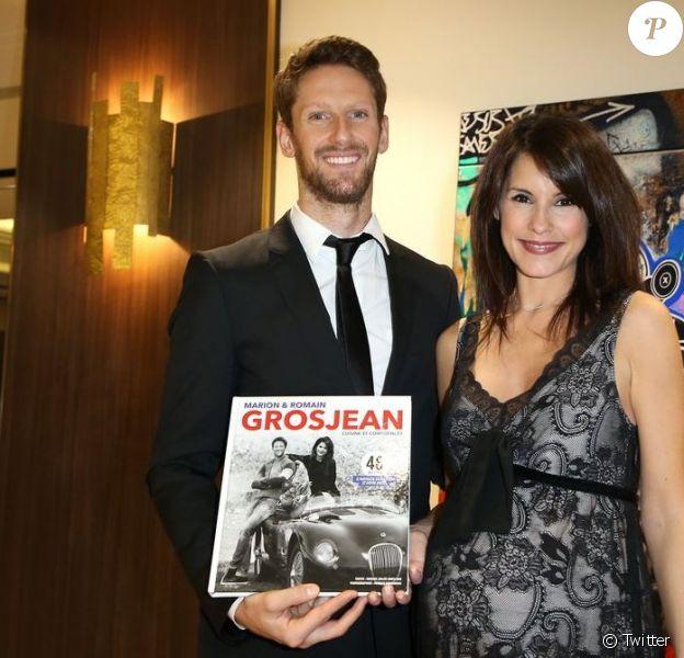 """Romain Grosjean et son épouse Marion Jollès-Grosjean (enceinte) posent pour la promotion de leur livre de recettes de cuisine """"Cuisine et Confidences"""", disponible en anglais."""