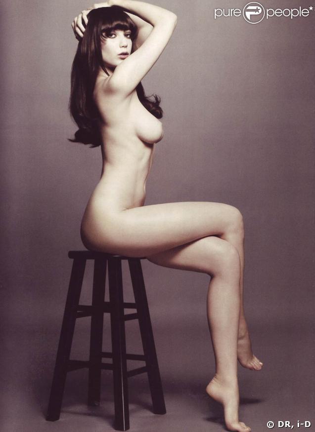 La jeune Daisy Lowe, 20 ans, est l'un des plus talentueux top models en devenir ! A suivre de près, très près...