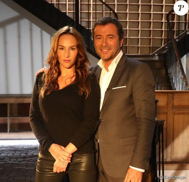 """Vanessa Demouy lors de l'enregistrement de l'émission """"Animaux Stars"""", présentée par Bernard Montiel à Paris. L'émission sera diffusée samedi 2 décembre à 18h30 sur la chaîne Animaux."""