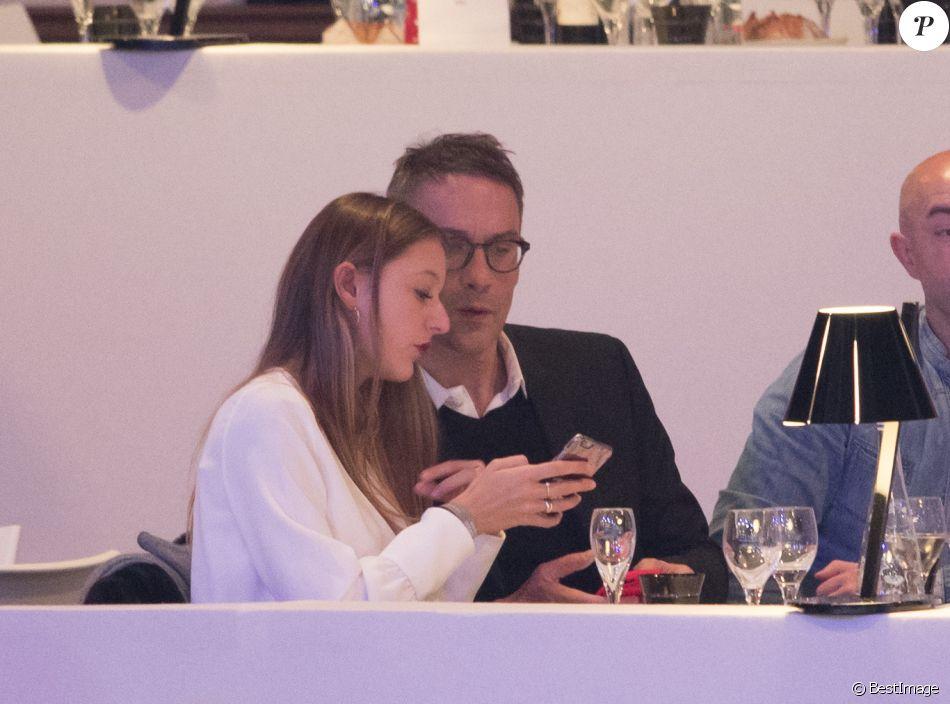 Julien Courbet et sa fille Lola - People lors du dernier jour du Longines Masters Paris à Villepinte, le 3 décembre 2017.
